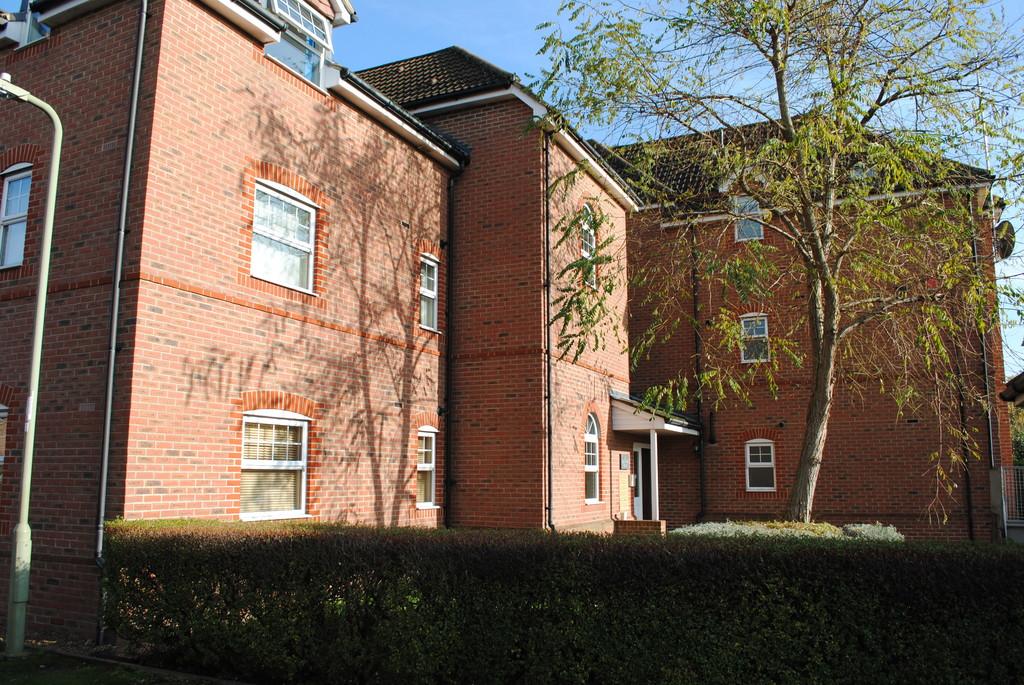 Glenwood Court, Farnborough, GU14