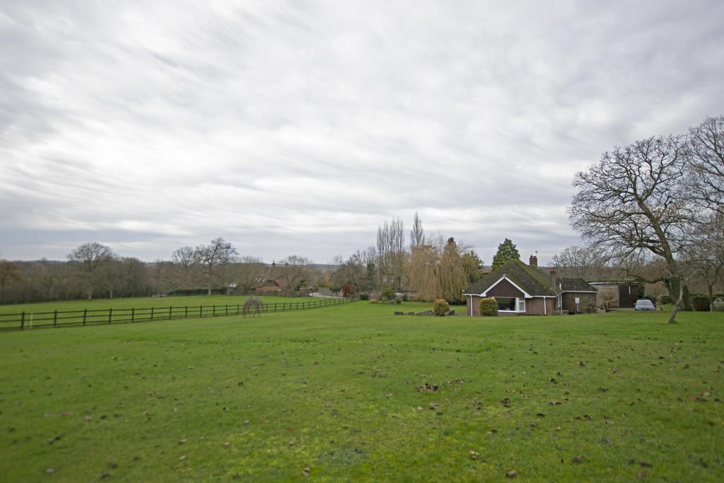 Farnham Road, Ewshot, Farnham
