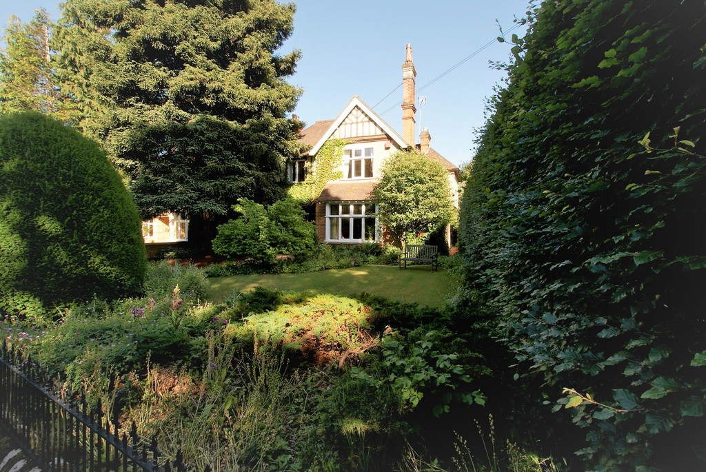 Cricket Green Lane, Hartley Wintney
