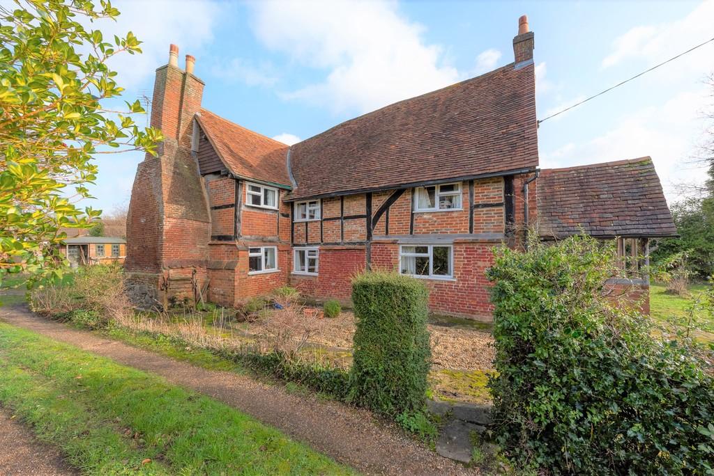 Lower Weybourne Lane, Farnham