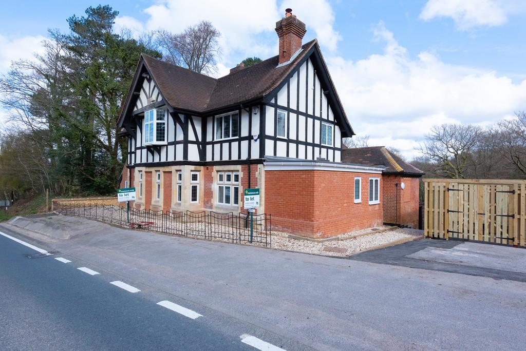 Farnham Road, Ewshot
