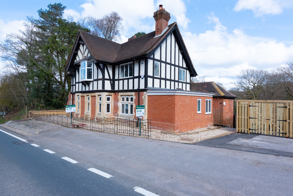 Old Queens Arms, Farnham Road, Ewshot