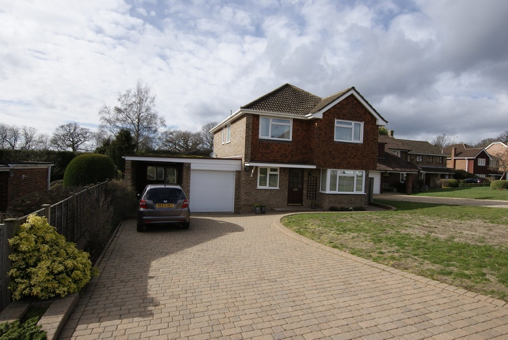 View properties from our Hartley Wintney Office