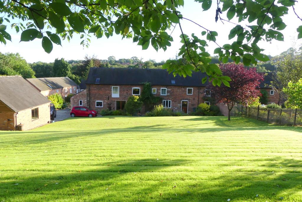 Lodge Farm Court Image