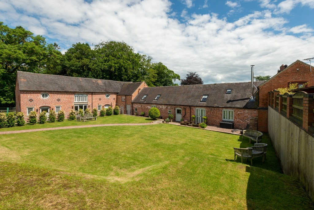 5 Fradswell Barns Image