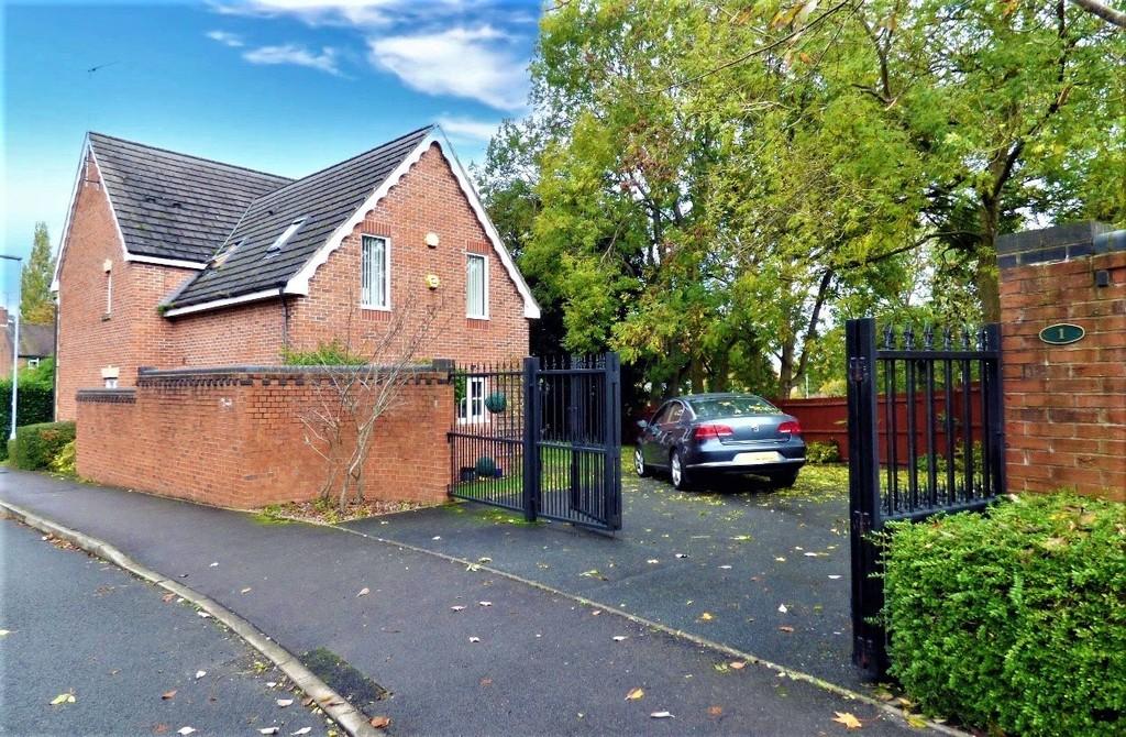 1 Castle House Drive Image