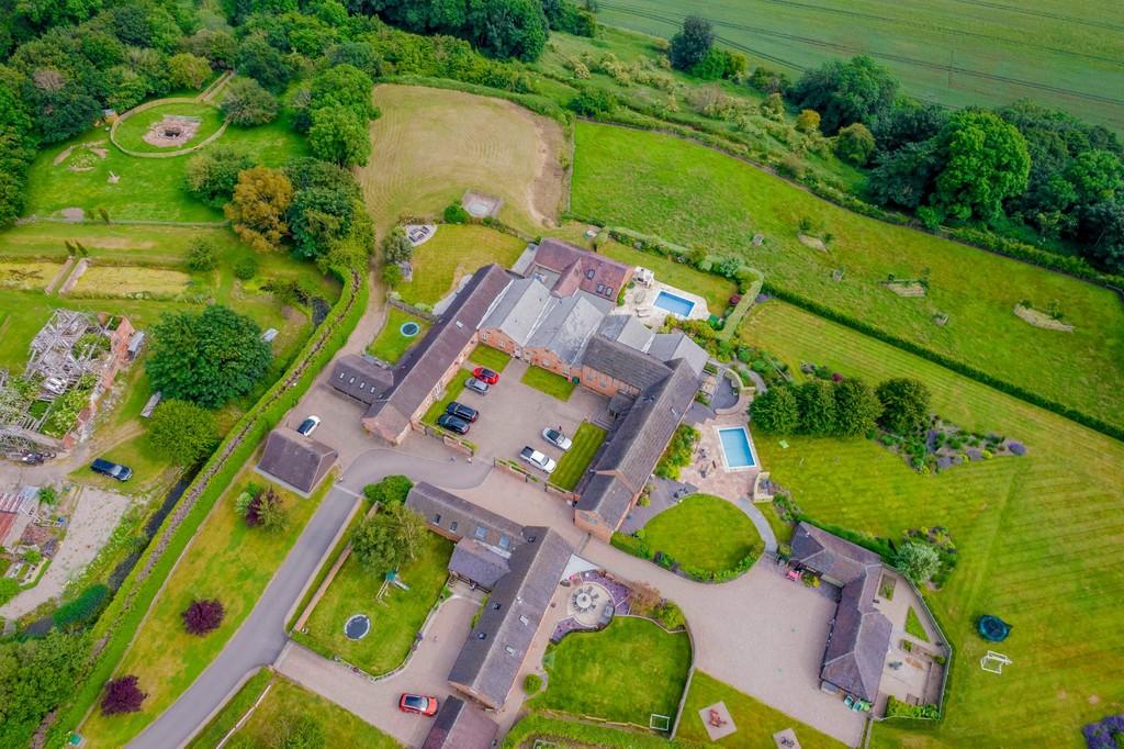 Property Image 100