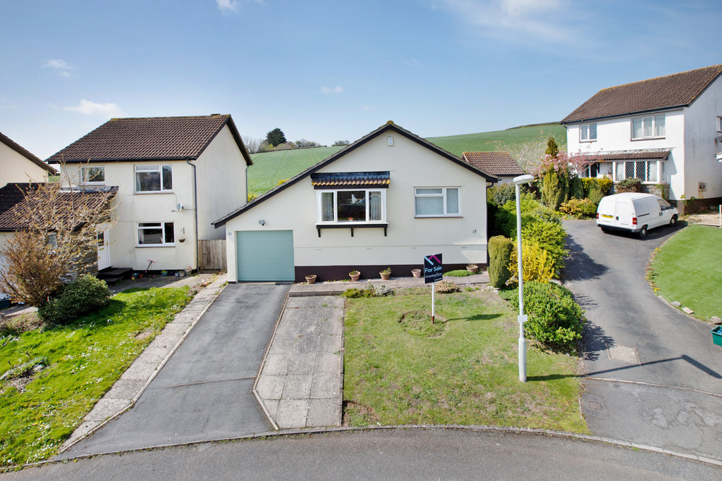 Coombe View, Teignmouth, TQ14 9UY